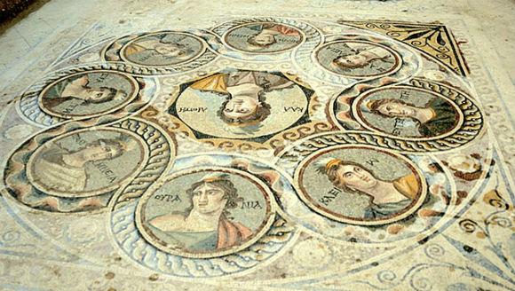 Arquéologos lutam para preservar mosaicos de 2 mil anos na Turquia - 2