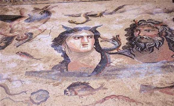 Arquéologos lutam para preservar mosaicos de 2 mil anos na Turquia - 1