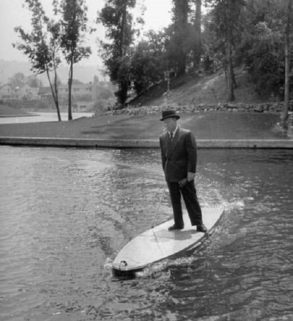 Prancha de surfe motorizada
