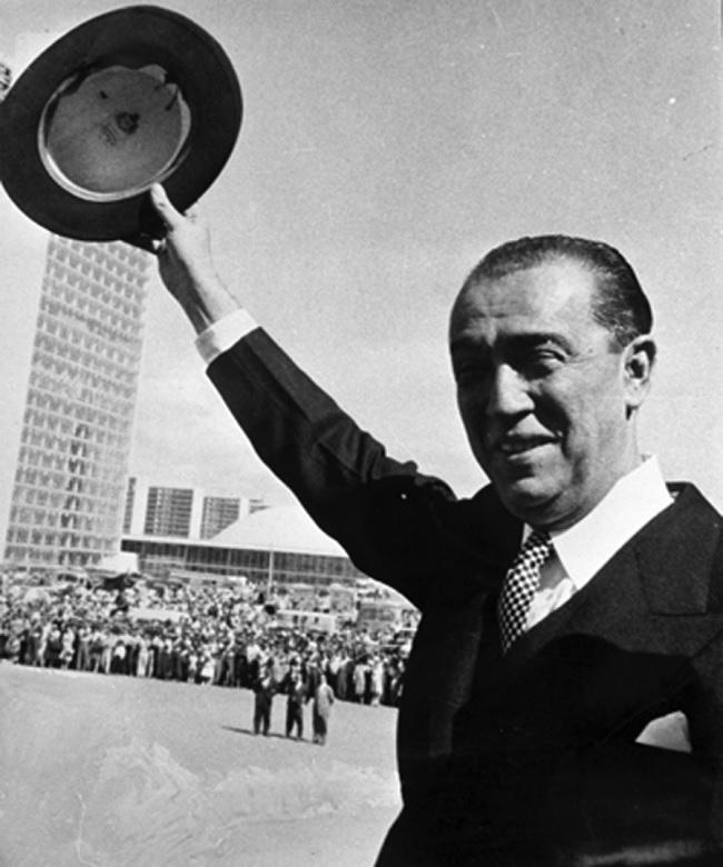 É inaugurada Brasília, a nova capital do Brasil - 1