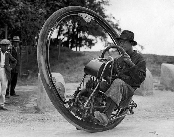 Monociclo motorizado