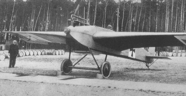 se-construyo-el-primer-avion-metalico-600x310